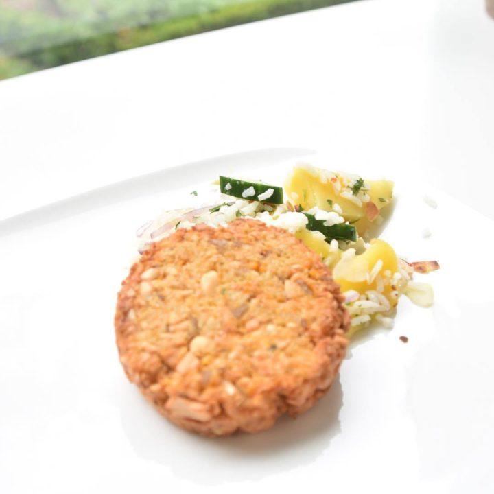 Burger Met Zoete Aardappel Pindanootjes