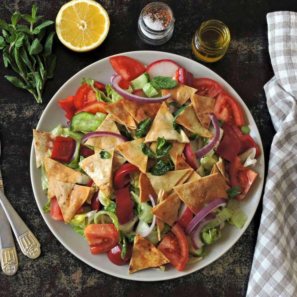 Fattush salad middle eastern style min
